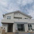 白を基調としたモダン住宅